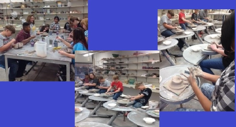 Middle School students attending a field trip to WT Art Dept.