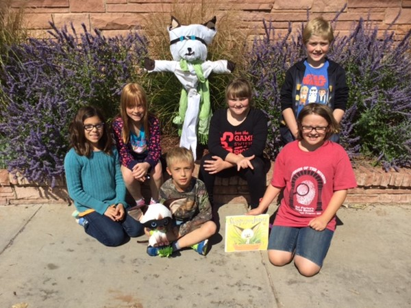 4th Grade students with their Skippyjon Jones Scarecrow.